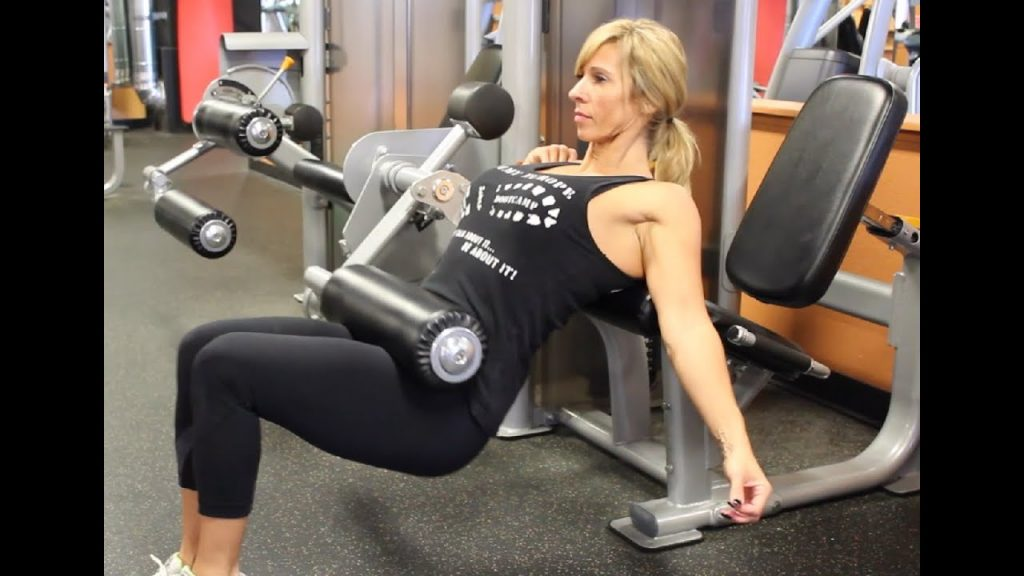 variante hip thrust alla leg extension machine